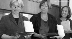 Rosemarie Mieder und Gislinde Schwarz erhalten den Robert-Geisendörfer-Preis 2003